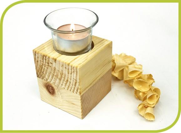 Zirbenholzwürfel mit Teelicht